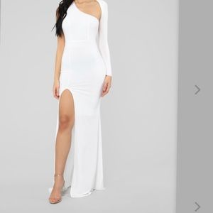 Brand new sleek white dress